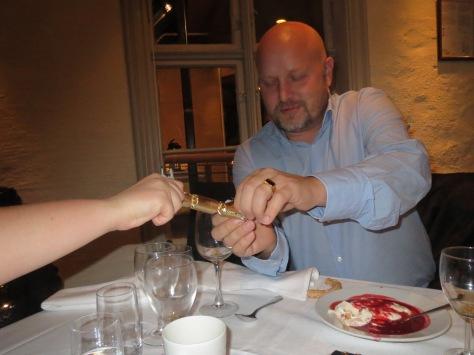 Jan-Arne goes crackers.